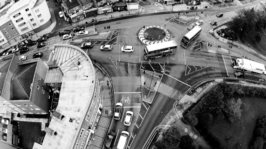 Black & White Roundabout