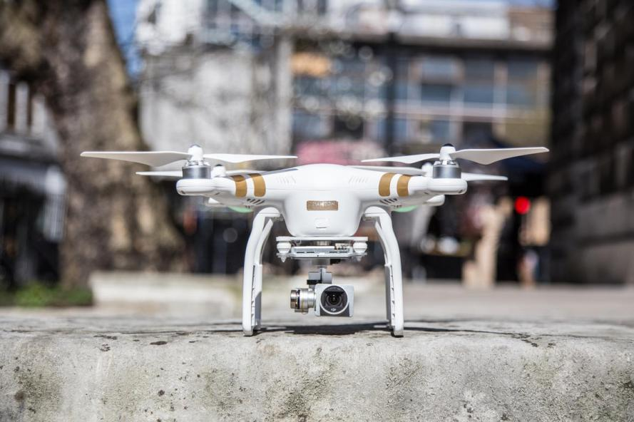 The Phantom 3 comes in two models: Advanced and Professional.